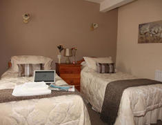 Twin Room The Holly Bush Inn Little Leigh Cheshire